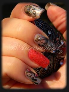 nail art tatoo sur vernis holographique et vernis texturé 5