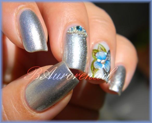 nail art aquarelle sur vernis argent 1