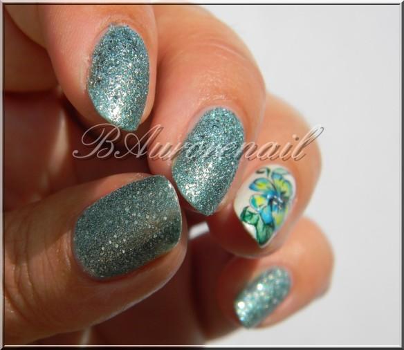 nail art aquarelle sur vernis texturé claire's 7