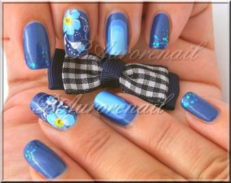 nail art bleu miosotis one stroke 7